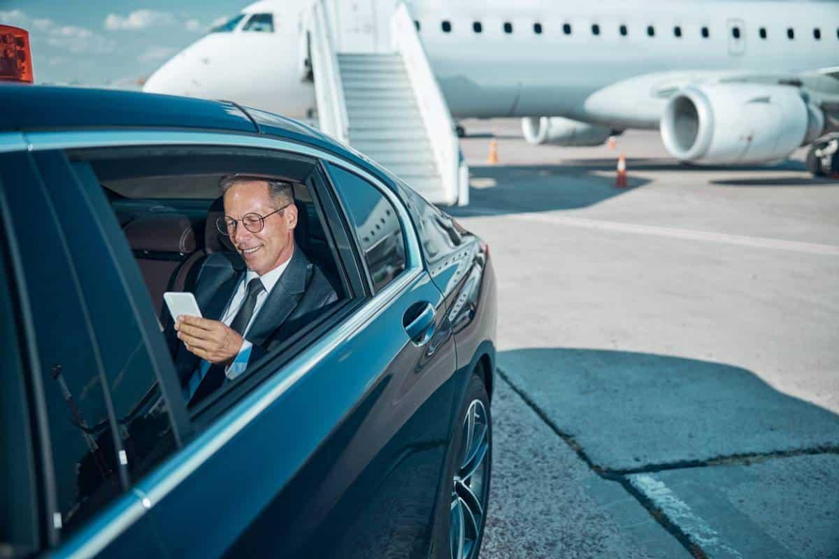 visuel-depart-en-vacances-les-solutions-pratiques-pour-votre-vehicule